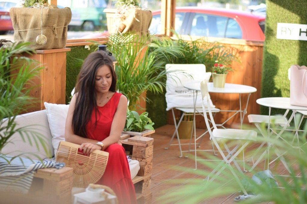 sukienka z falbanami czerwona długa
