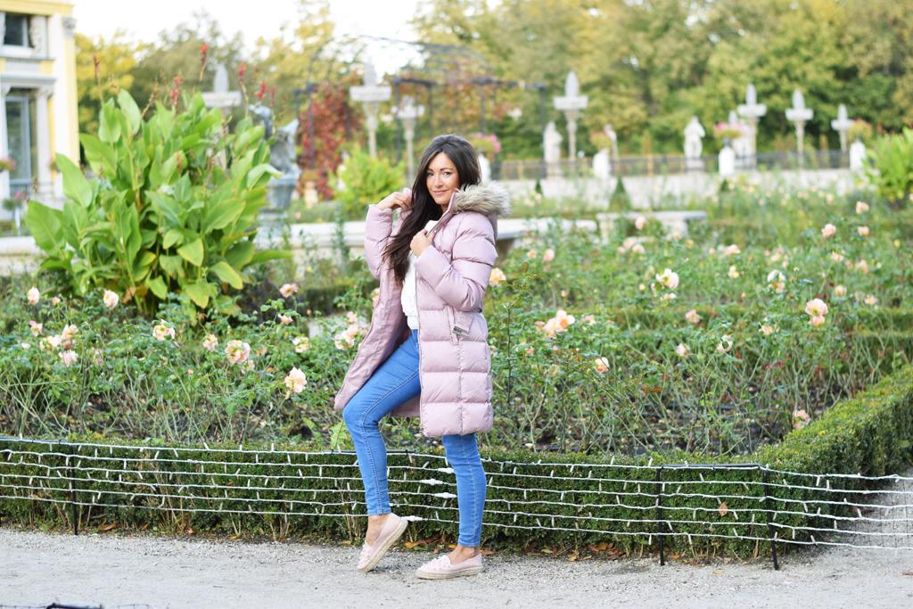 różowa kurtka pudrowa
