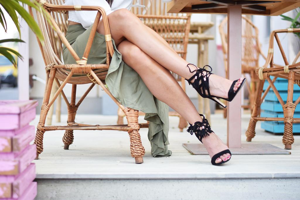 oliwkowa spódnica stylizacja blog