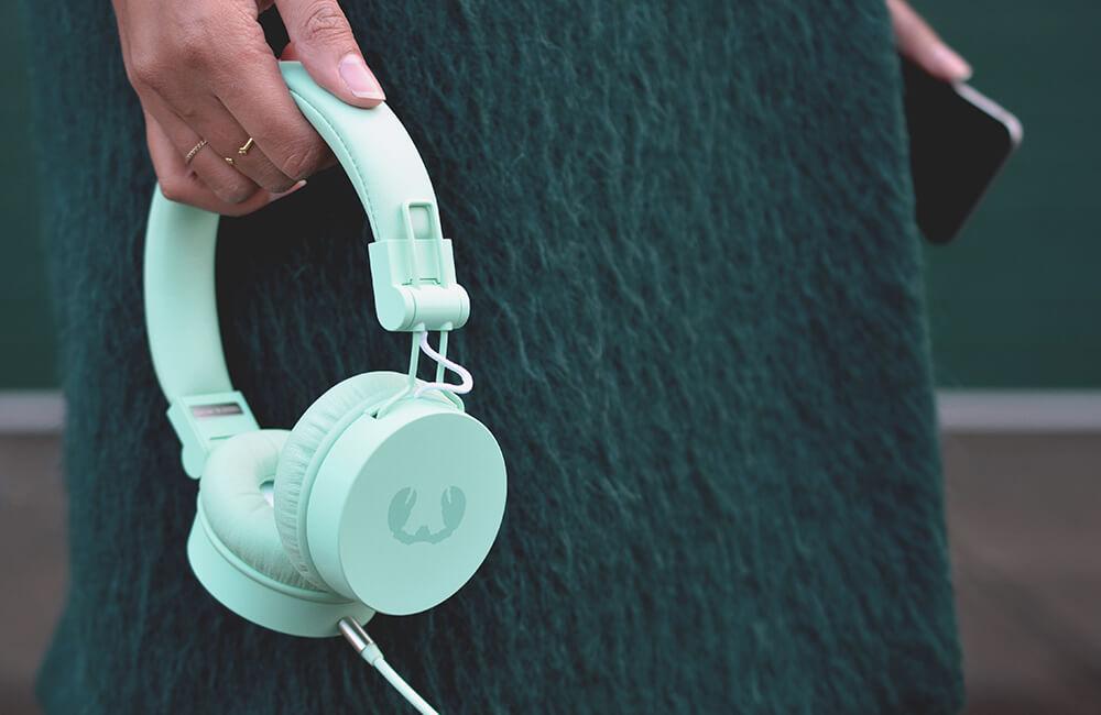 miętowe słuchawki fresh and rebel