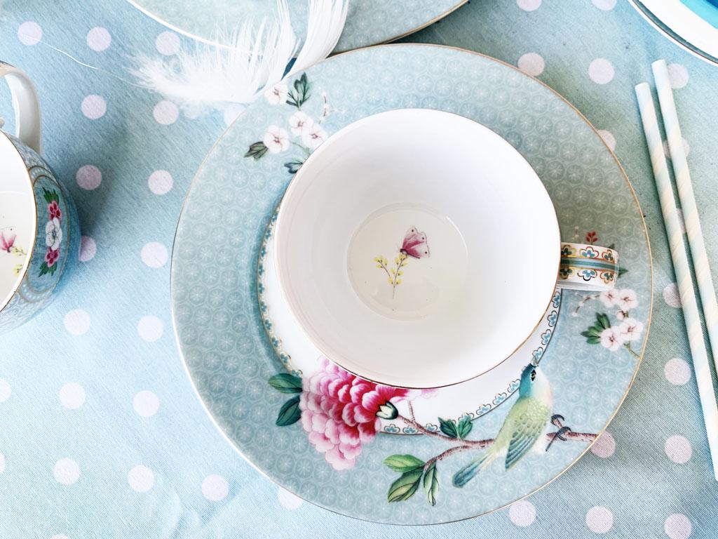 filiżanka porcelanowa pastelowa
