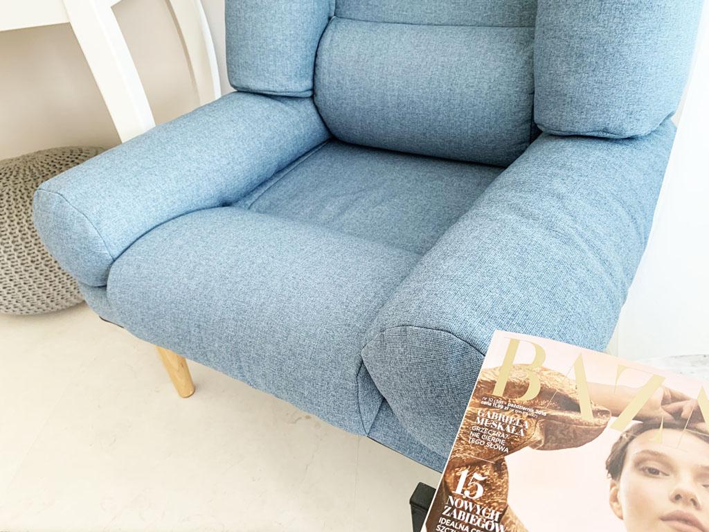 fotel niebieski skandynawski