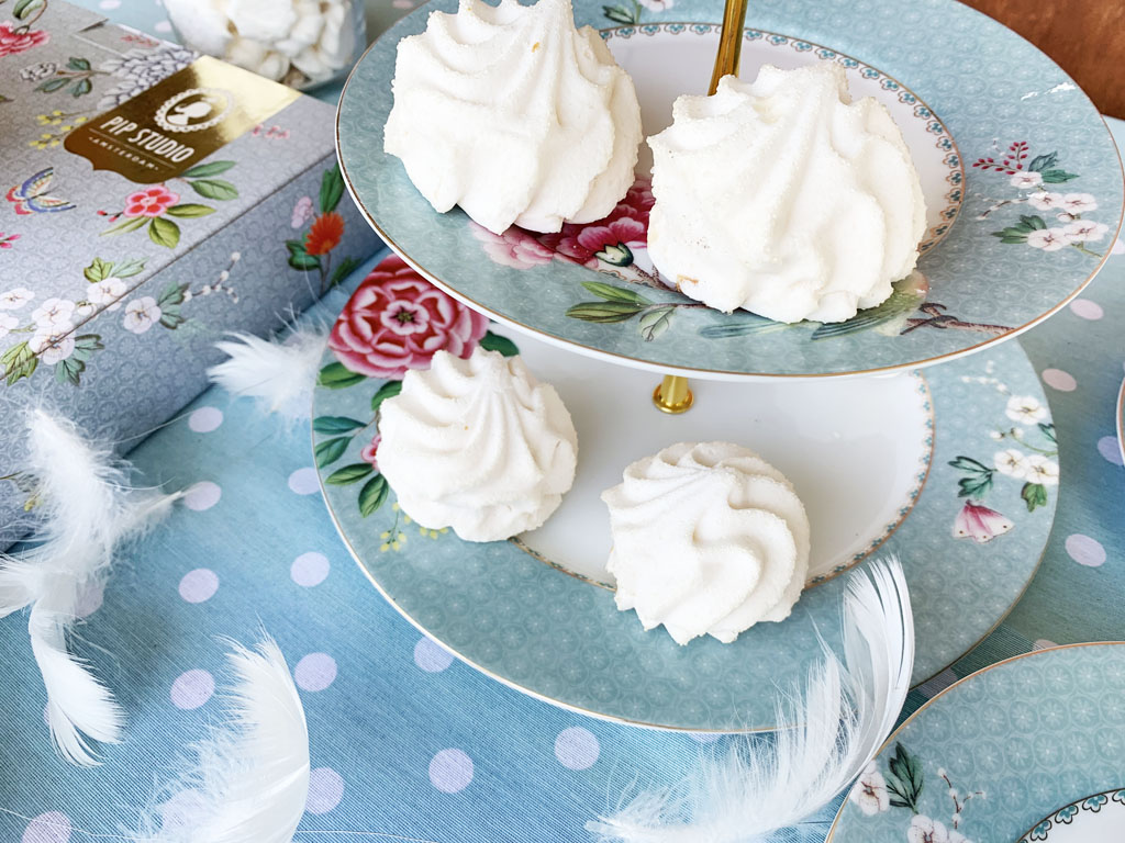 pastelowa patera na ciasto