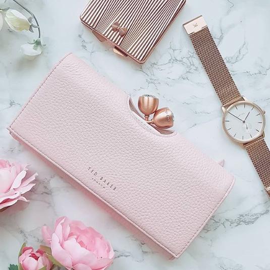 pastelowy portfel na prezent
