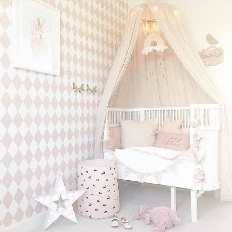 pokój dla dziewczynki pastelowy różowy