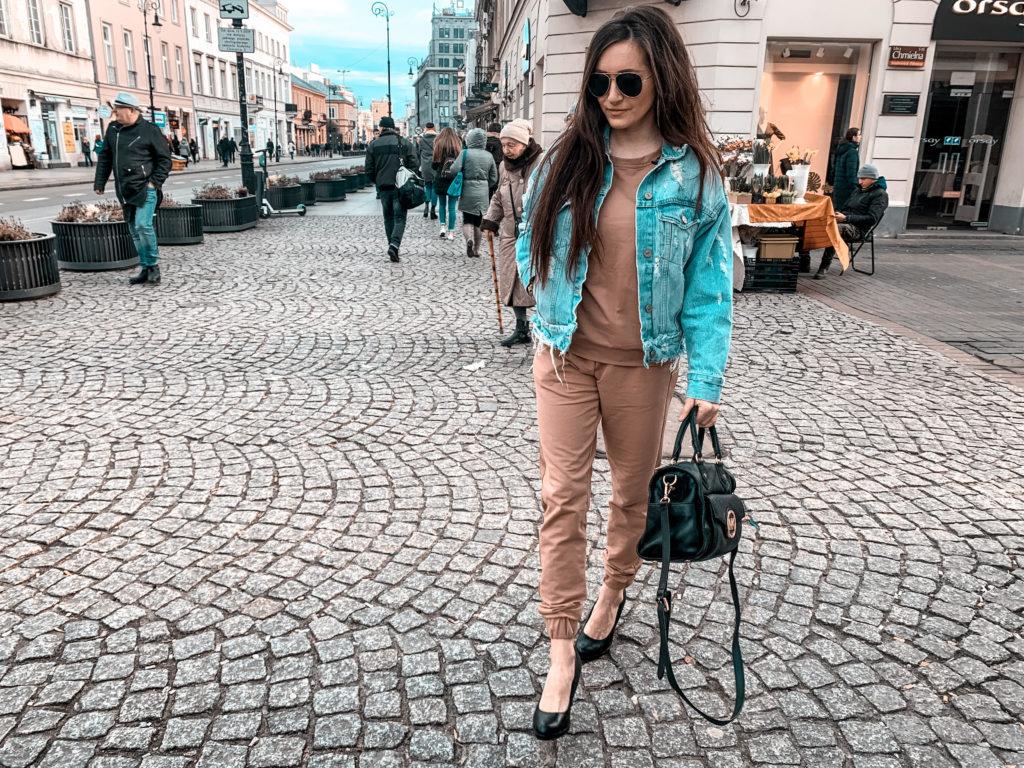 elegancki dres brązowy