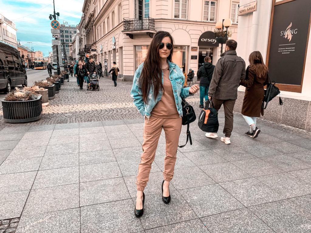 eleganckie dresy beżowe