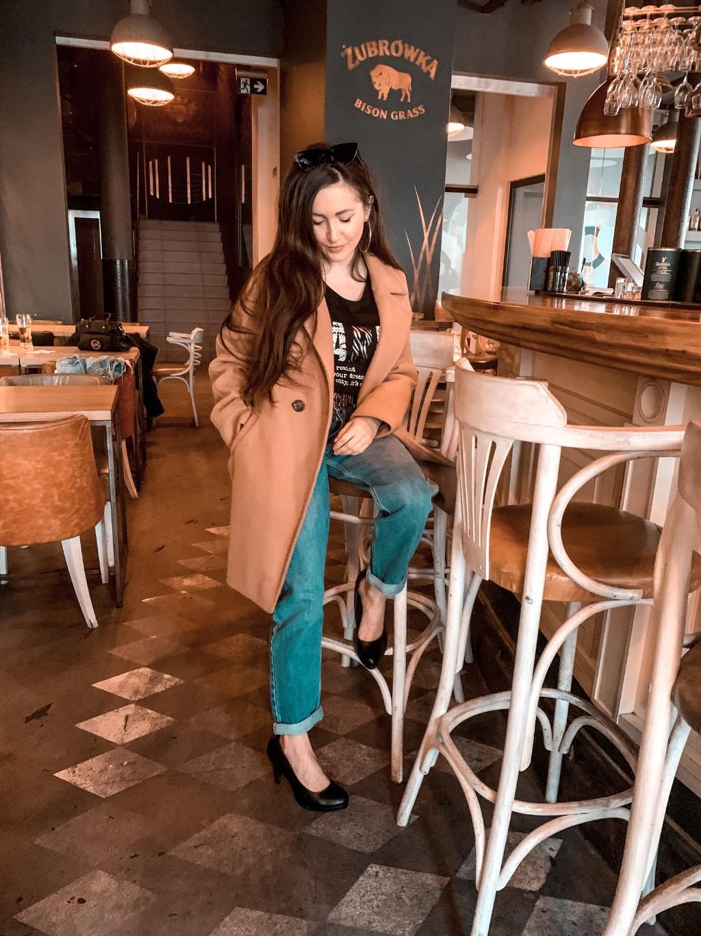 karmelowy płaszcz blogerka