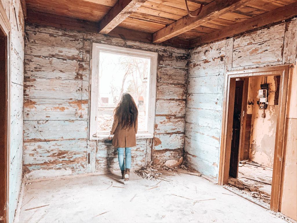 remont starej chaty na wsi