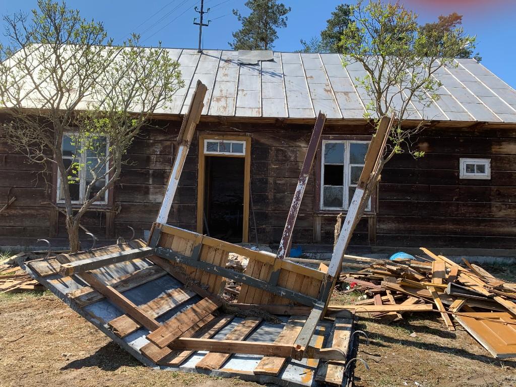 remont drewnianego domu z bali