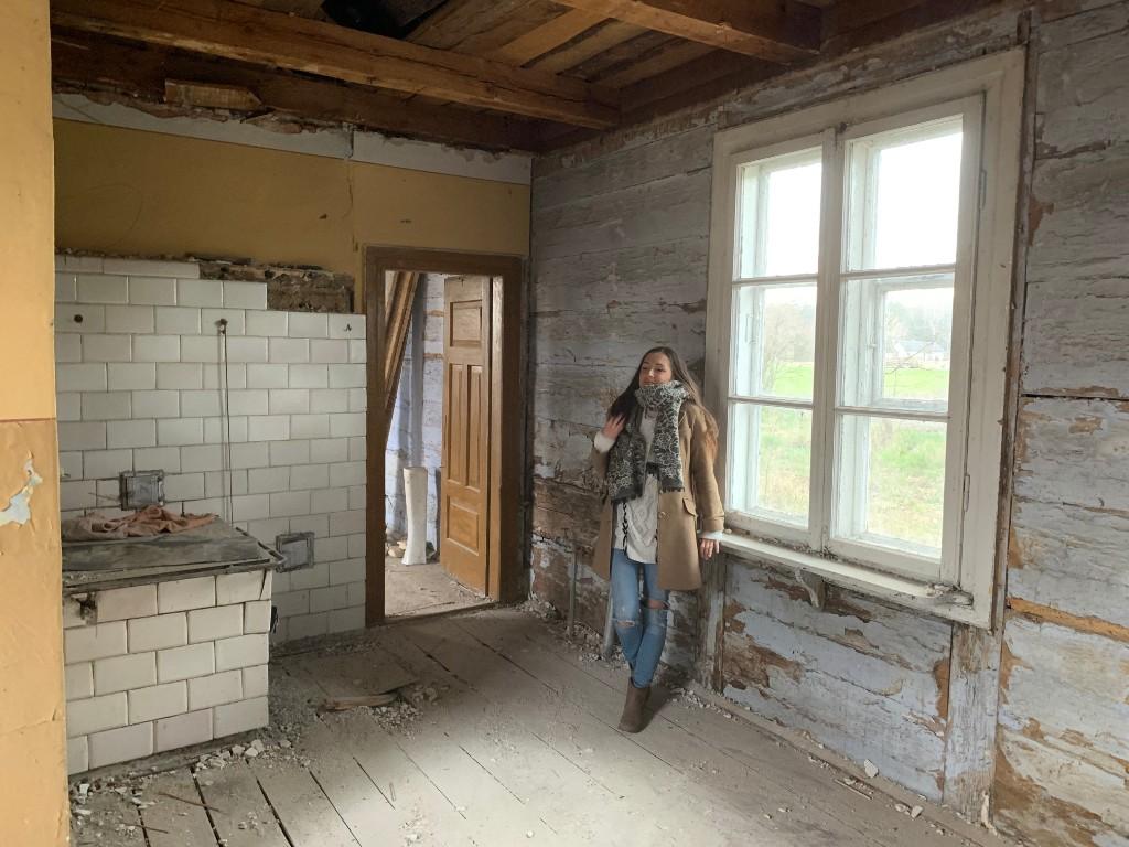 remont starej chaty drewnianej na wsi