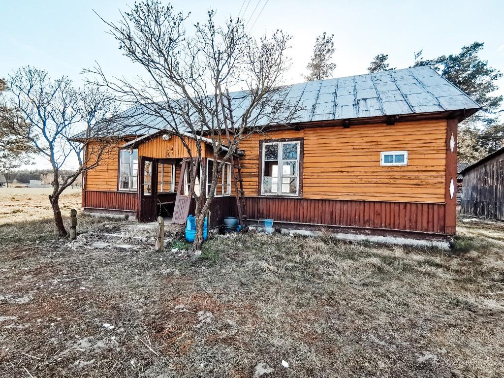 stary dom drewniany remont
