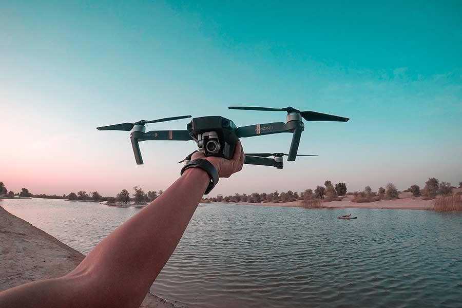 jak można korzystać z drona