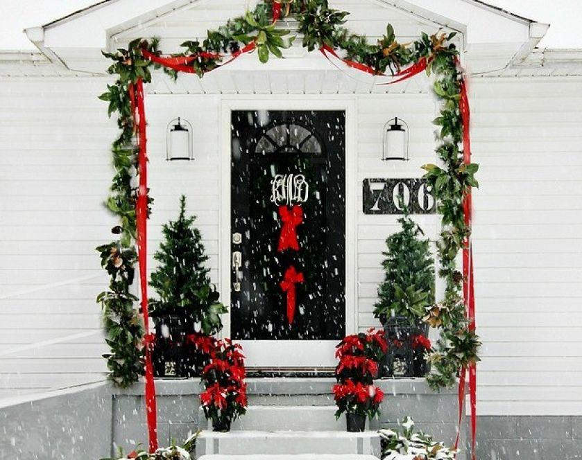 dekoracja bożonoradzeniowa na drzwi