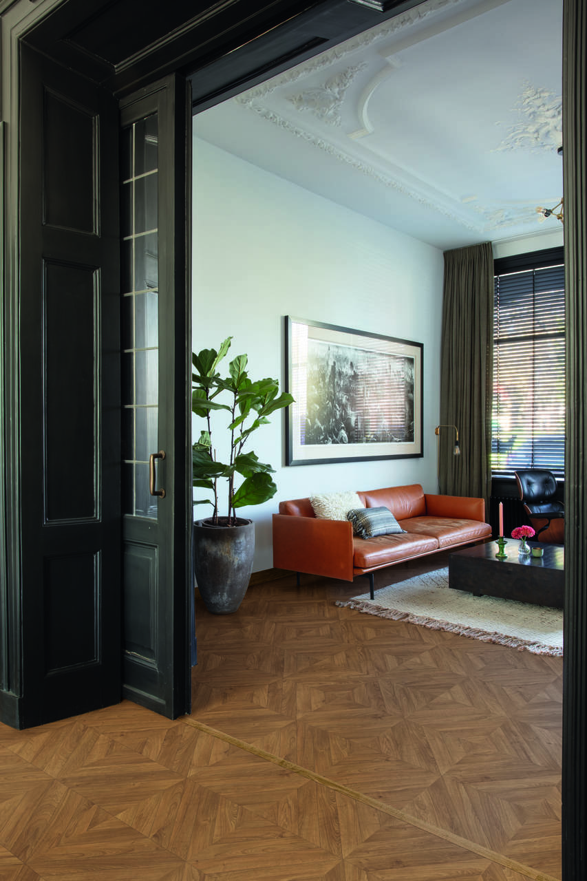 salon mozaika podłoga