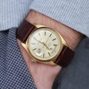 Zegarek za 400 tys., Porshe i… – na co pozwalają sobie celebryci?