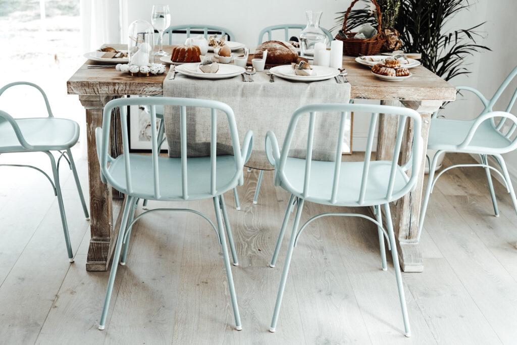 krzesła do jadalni błękitne