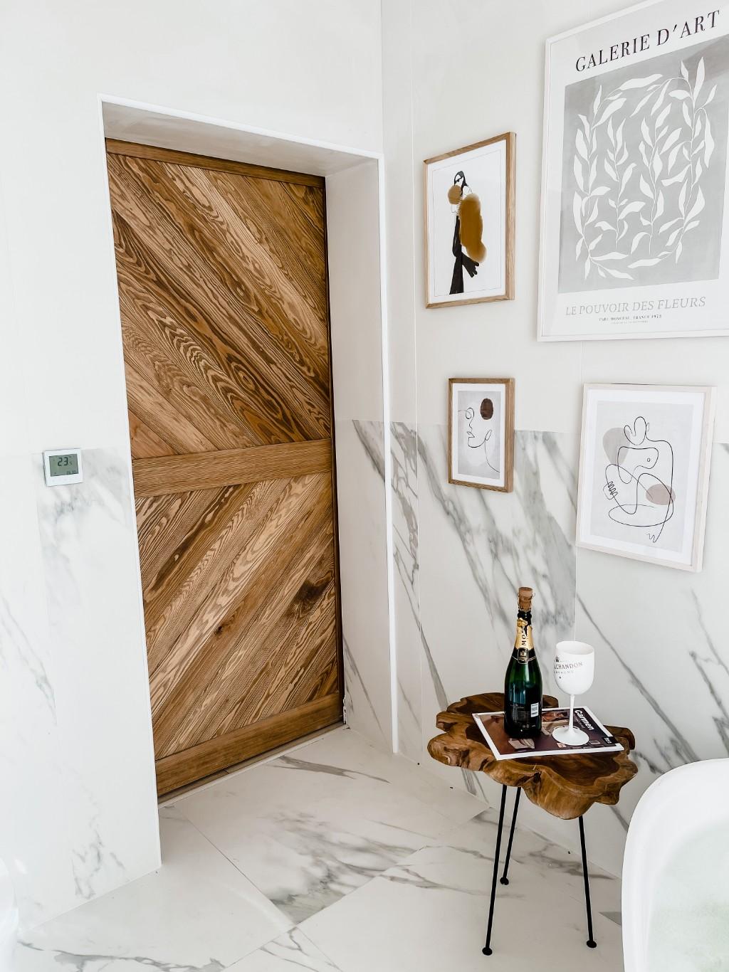 łazienka drzwi drewniane