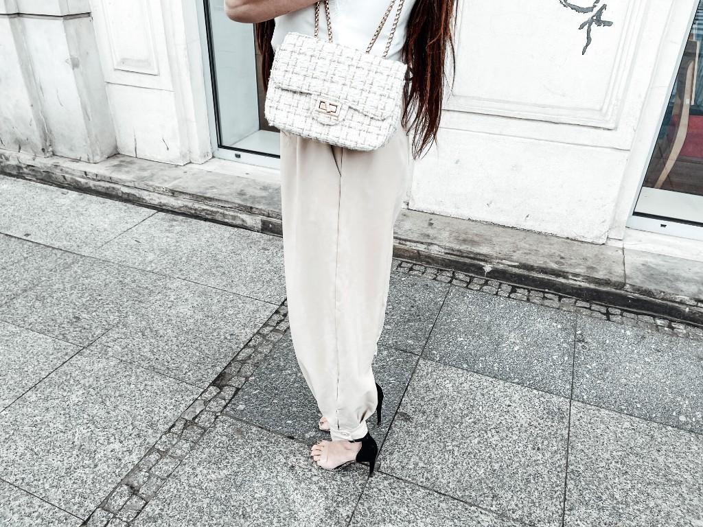beżowe spodnie alladynki