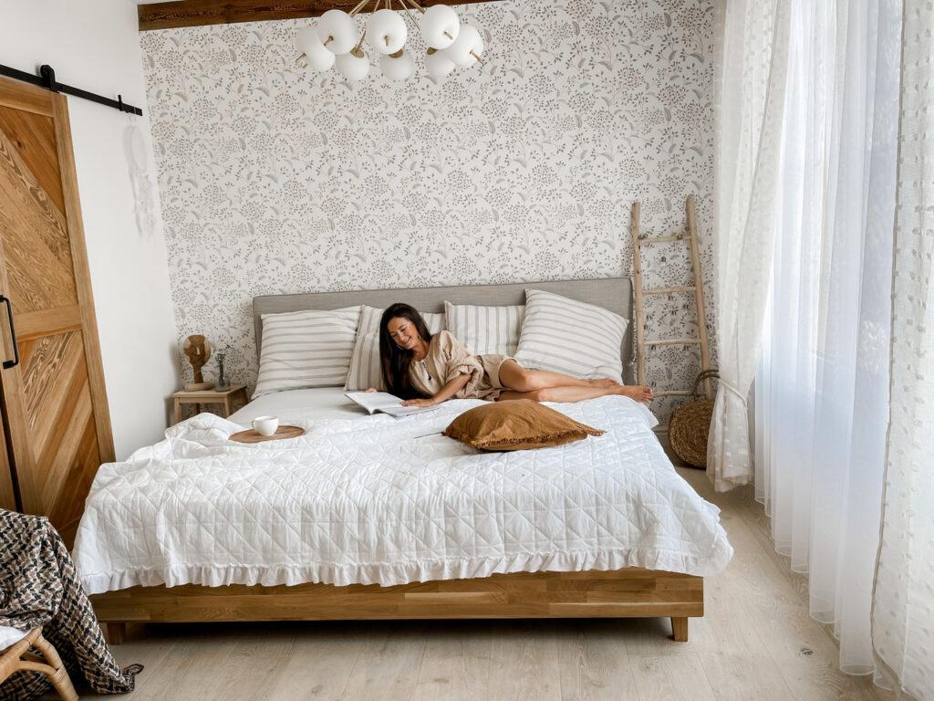 rustykalna sypialnia jak ją urządzić
